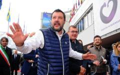 Milano: espone striscione offensivo contro Salvini, donna indagata per diffamazione