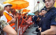 Salisburgo: manifestanti per Carola Rackete protestano contro Mattarella
