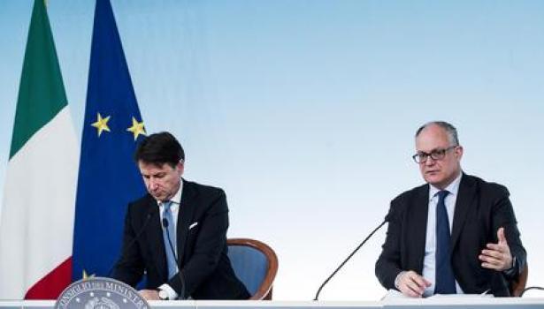 Coronavirus, Conte: Buoni spesa per i cittadini bisognosi. D'intesa con i comuni. L'Europa ci ascolti. Gualtieri attacca Ursula Von der Leyen