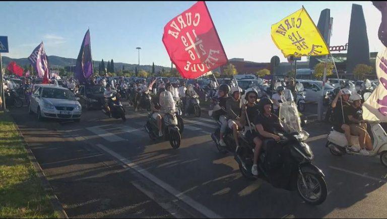 Fiorentina, manifestazione dei tifosi per lo stadio. Le parole di Barone