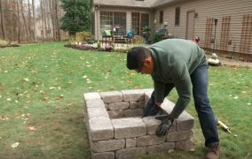 how to build a fire pit out of bricks