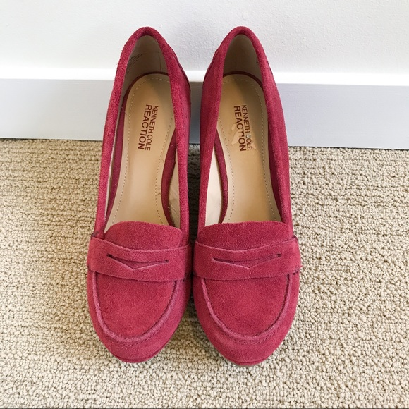 Kenneth Cole Reaction 'Flirt it up' red suede wedge loafers size 8