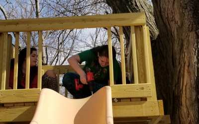 Behind the Curtain : Building A Treehouse