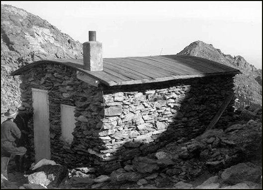 Stone house residence, 1925