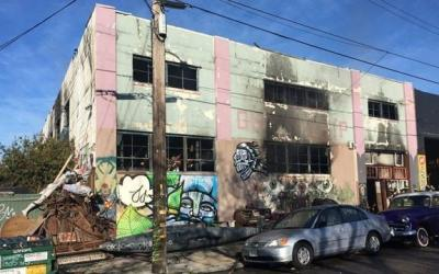 Warehouse fire in Oakland kills at least 33