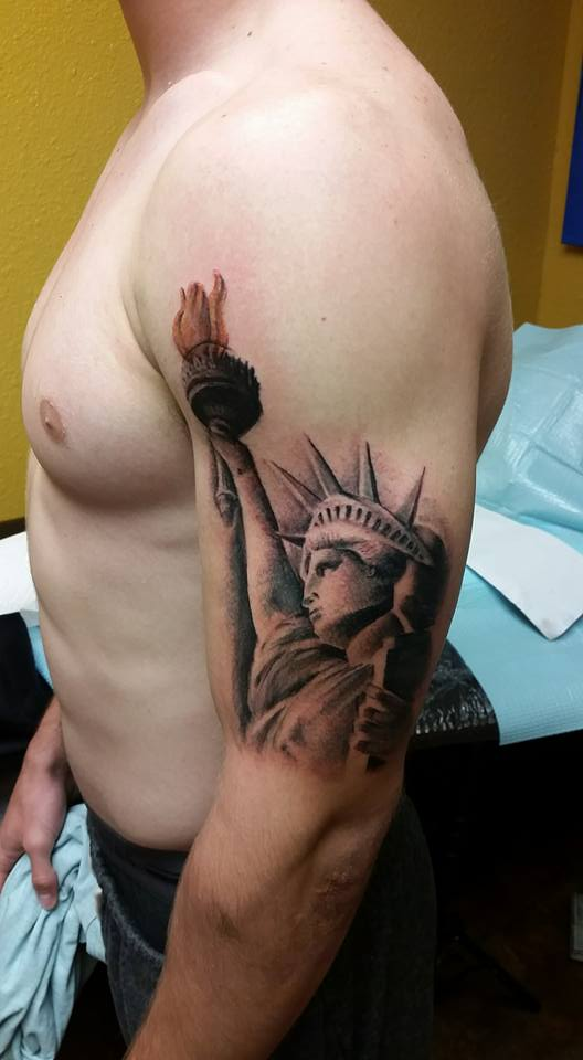 Statue Of Liberty Custom Tattoo - Firme Copias
