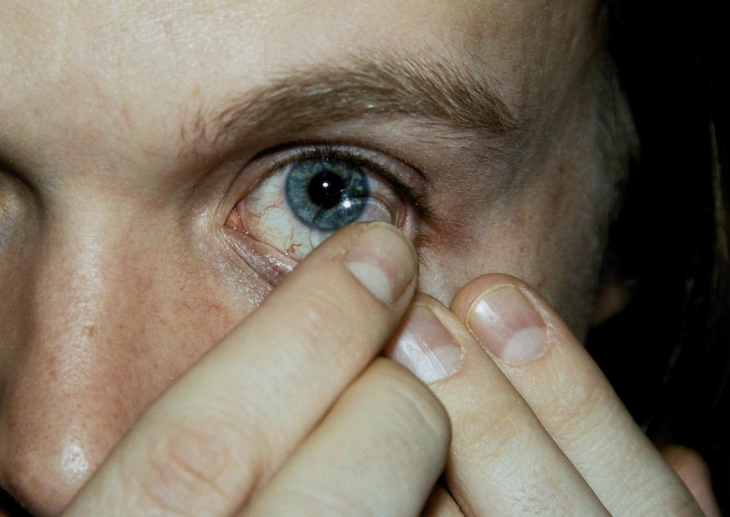 put in contact lenses put in contact lenses question and