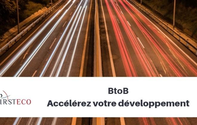 photographie autoroute avec slogan btob accélérez votre développement commercial