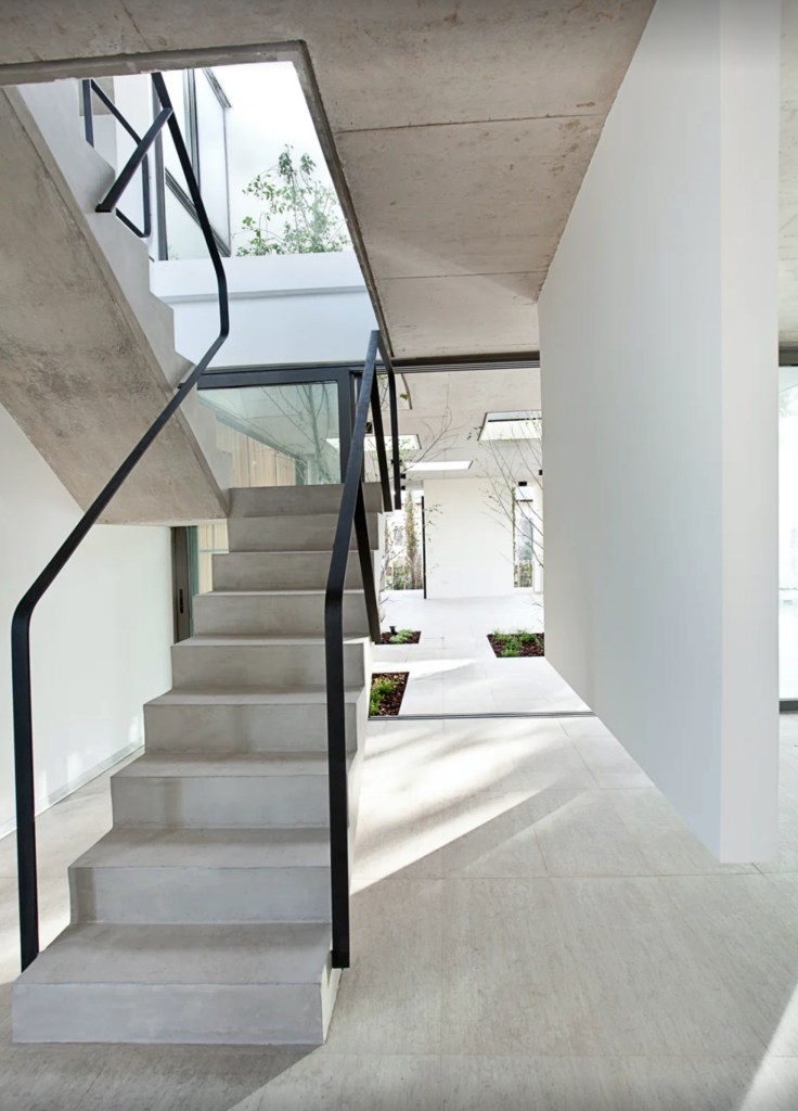 03 Solid Stair Design Ideas