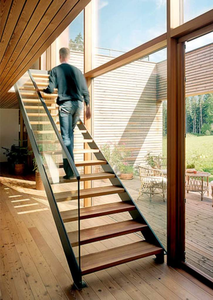 03 Stairs with natural light ideas