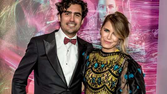 He is famous for married to hanna. Hanna Verboom Again Fell In Love