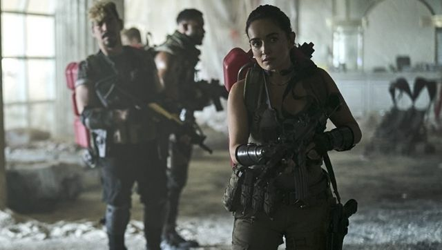 Army of the Dead movie review Netflix Zack Snyder zombie heist flick lacks brain and bite