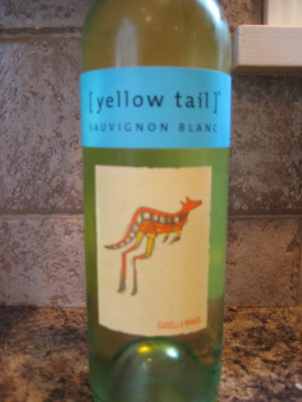 NV Yellow Tail Sauvignon Blanc First Pour Wine