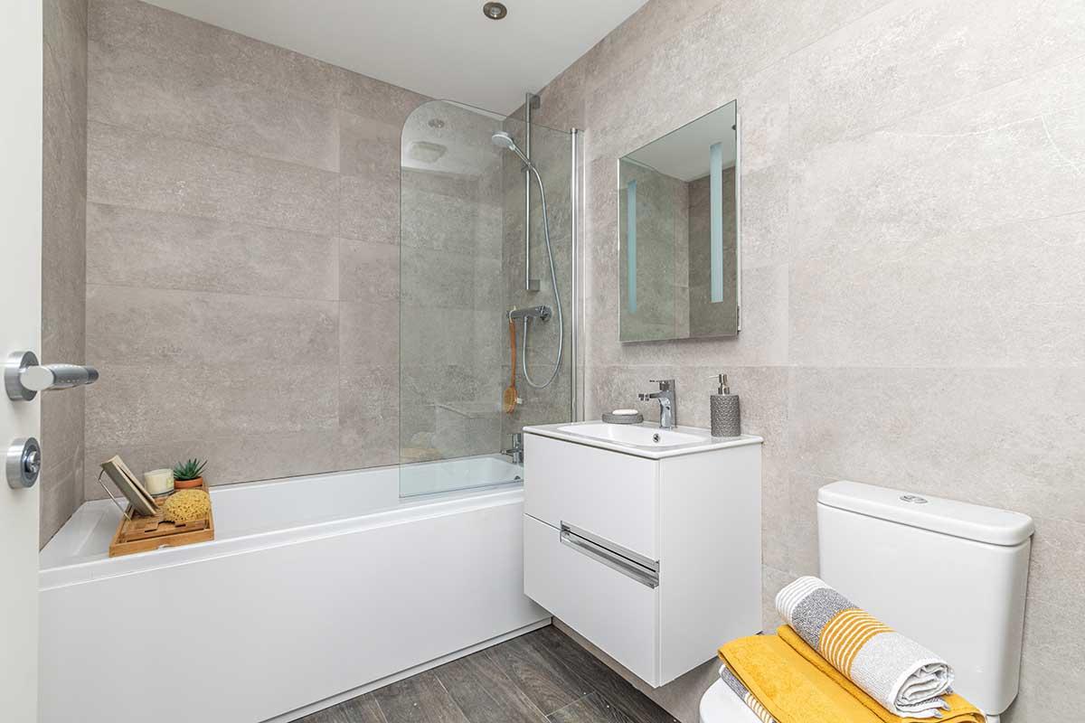 Plot 2 Astoria House Bathroom