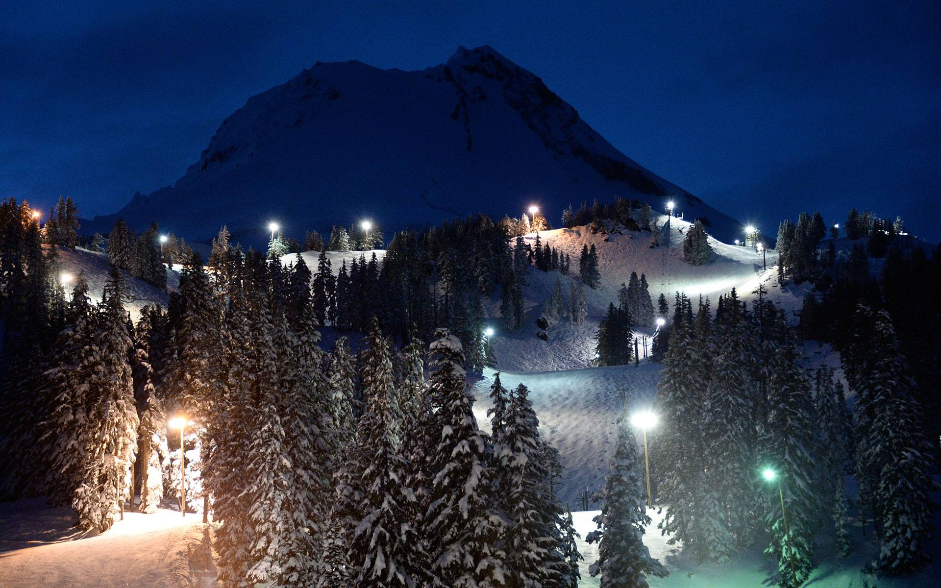 New Year S Eve Celebration Explodes At Mt Hood Meadows