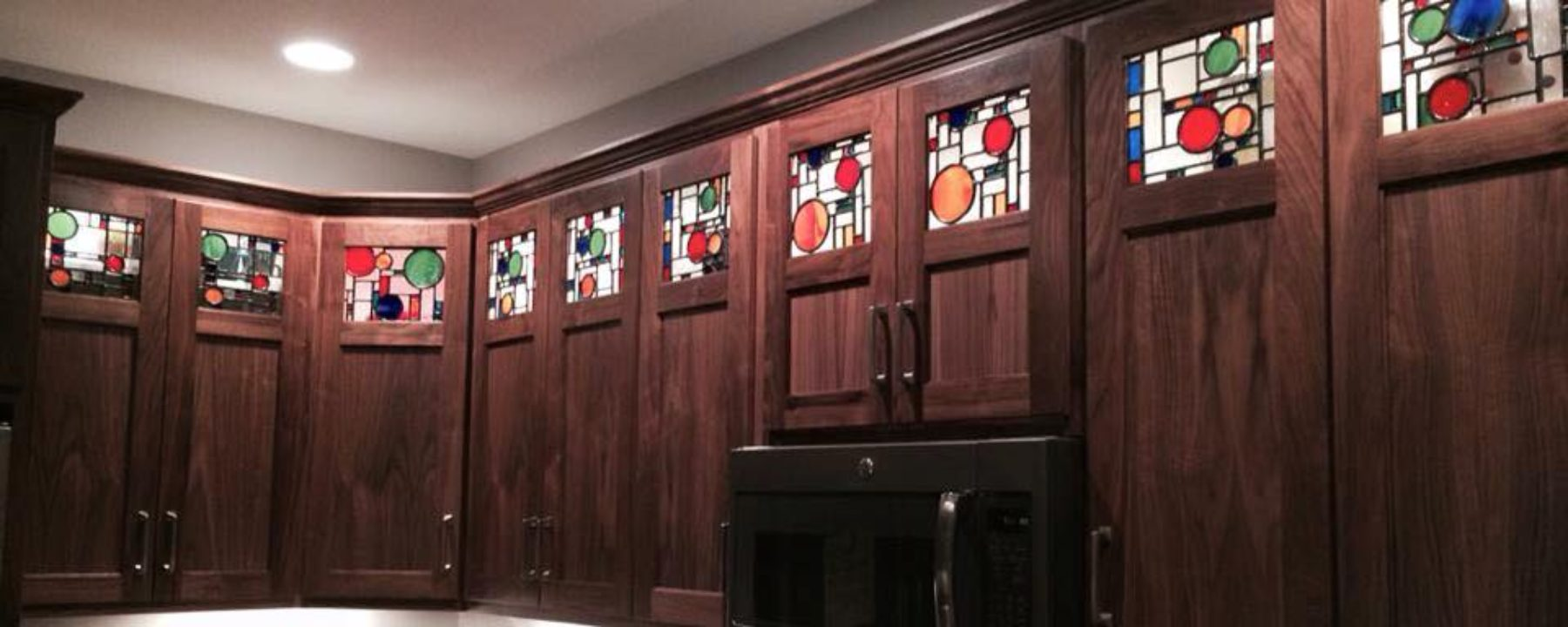 Beautiful Custom Cabinets for your Kitchen, Bath and Home