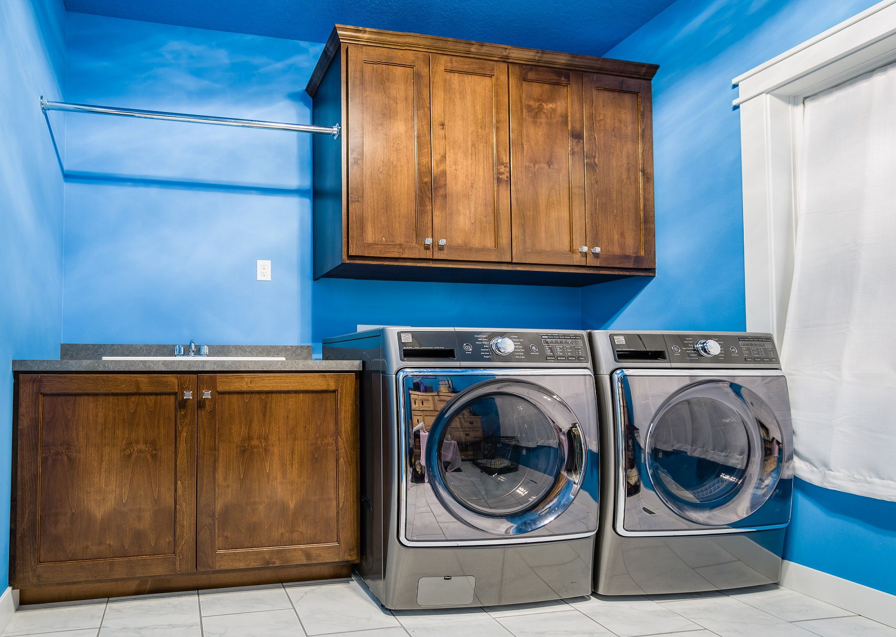 Walnut Custom Home Improvement - Laundry Room
