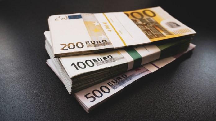 Debuttano nel 2019 le nuove banconote da 100 e 200 euro