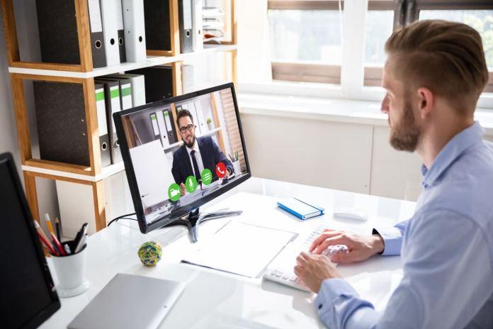 """Cura Italia: sì alla videoconferenza, il lavoro è """"smart"""" anche per le Amministrazioni comunali"""