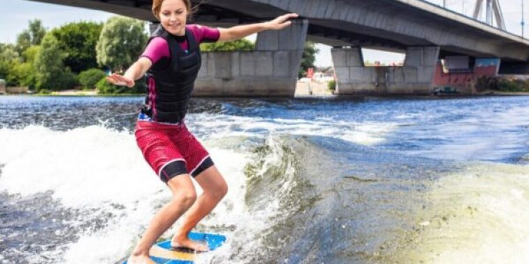The 10 Best Wakesurf Boards of 2019 – Reviews & Buying Guide