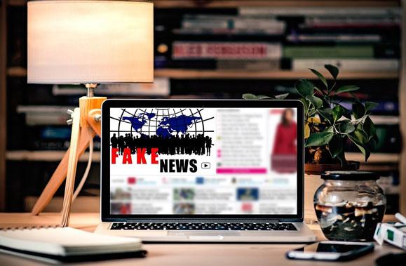 fake-news-computer