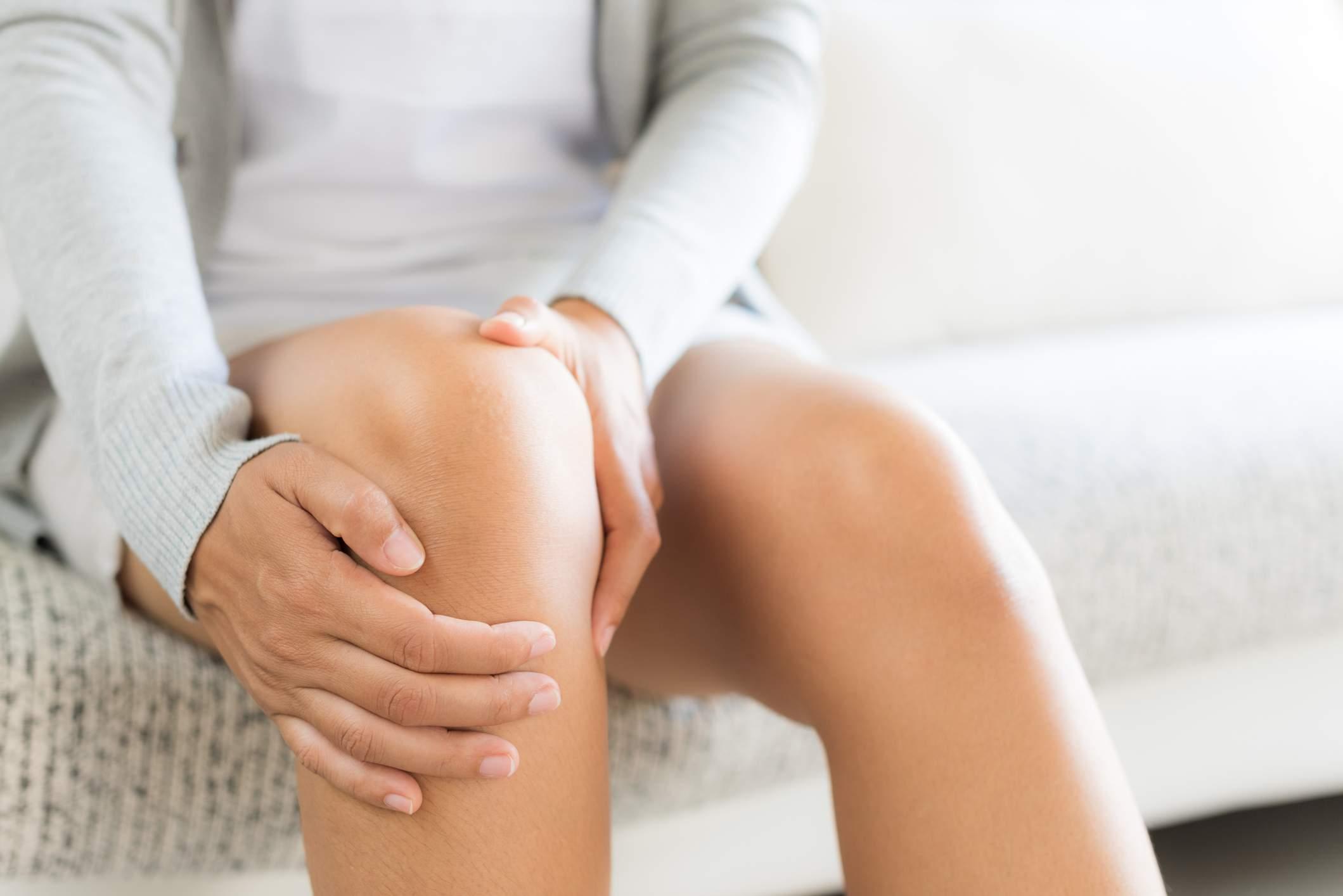 Rinforzo dei muscoli posterolaterali di anca vs rinforzo del quadricipite nel dolore femororotuleo