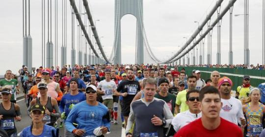 runners-cross-the-verrazano-narrows-bridge-shortly-after-the-start-of-the-new-york-cirty-marathon-in-new-york