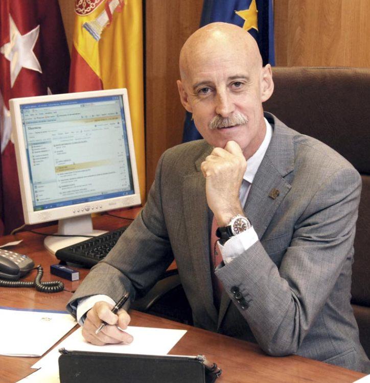 Excmo. Decano José Antonio Martín Urrialde