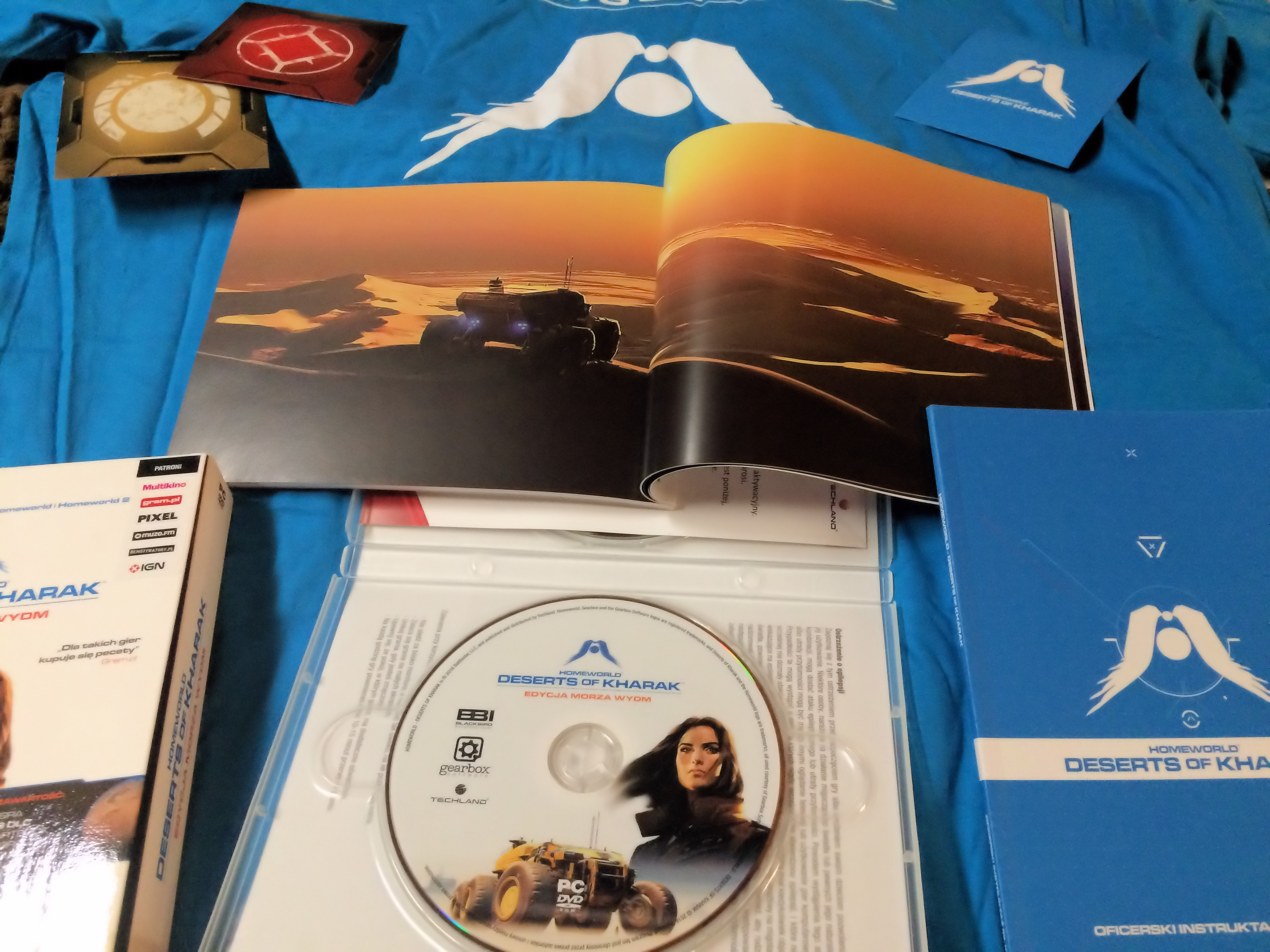 Homeworld Deserts of Kharak Collector's Edition All Items