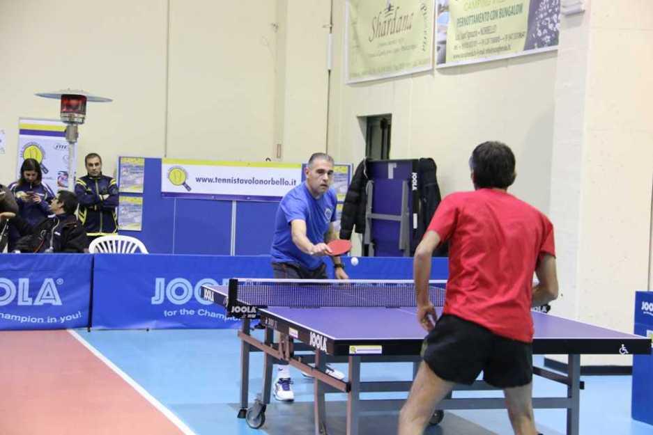 Antonello Ledda impegnato nel match contro l'Oristano Nero (Foto Gianluca Piu)