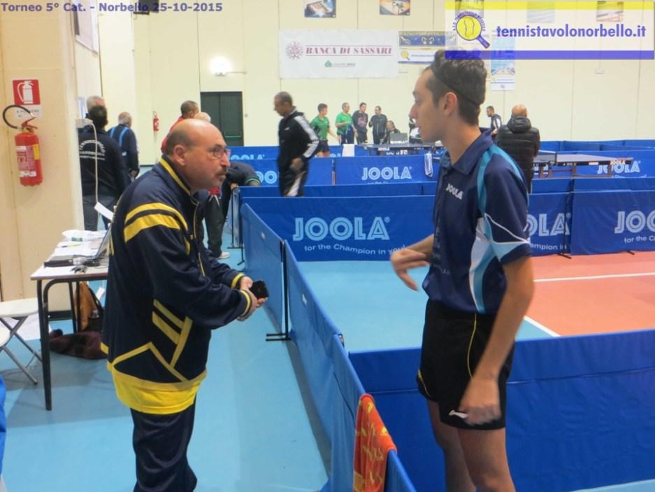 Coach Tore Scotto argomenta con Andrea Franceschi