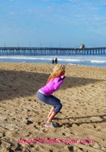 squat-low-side-walk