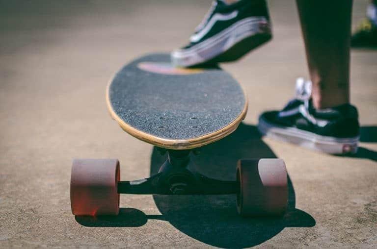 Fuß auf Skateboard