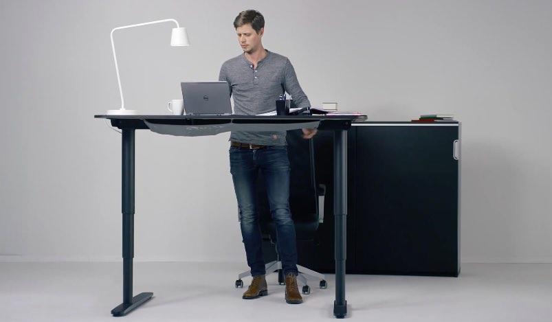 Ikea bekant: een staand bureau haal je gewoon bij ikea