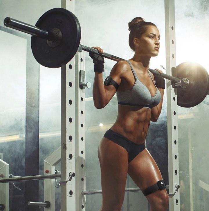 gymwatch-woman-exercise