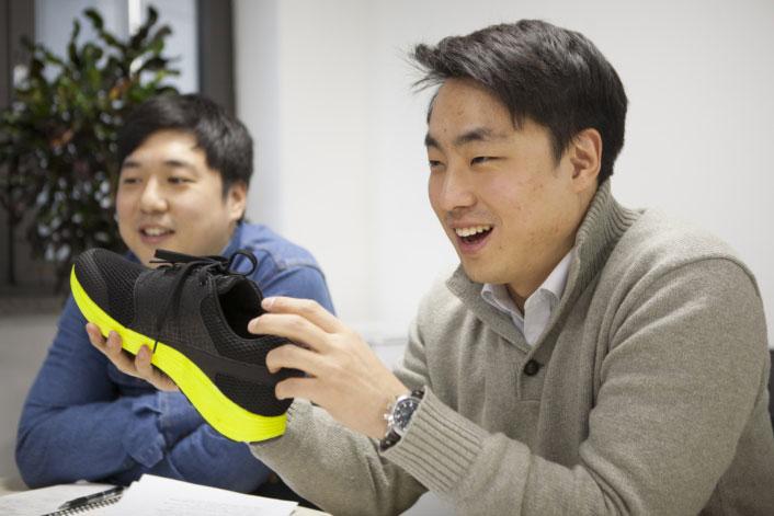 IoFIT schoenen van Samsung