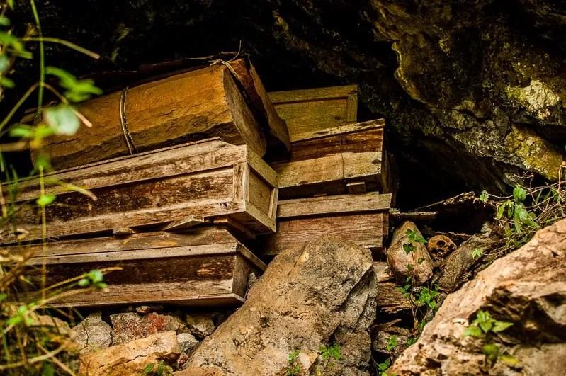 cave coffins sagada banaue rice terraces