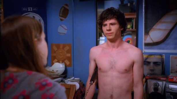 Charlie Mcdermott Shirtless In The Middle  Fit Males