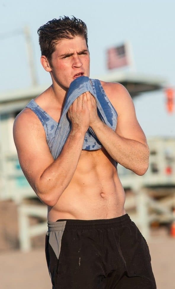 gregg-sulkin-shirtless-training-on-beach-02
