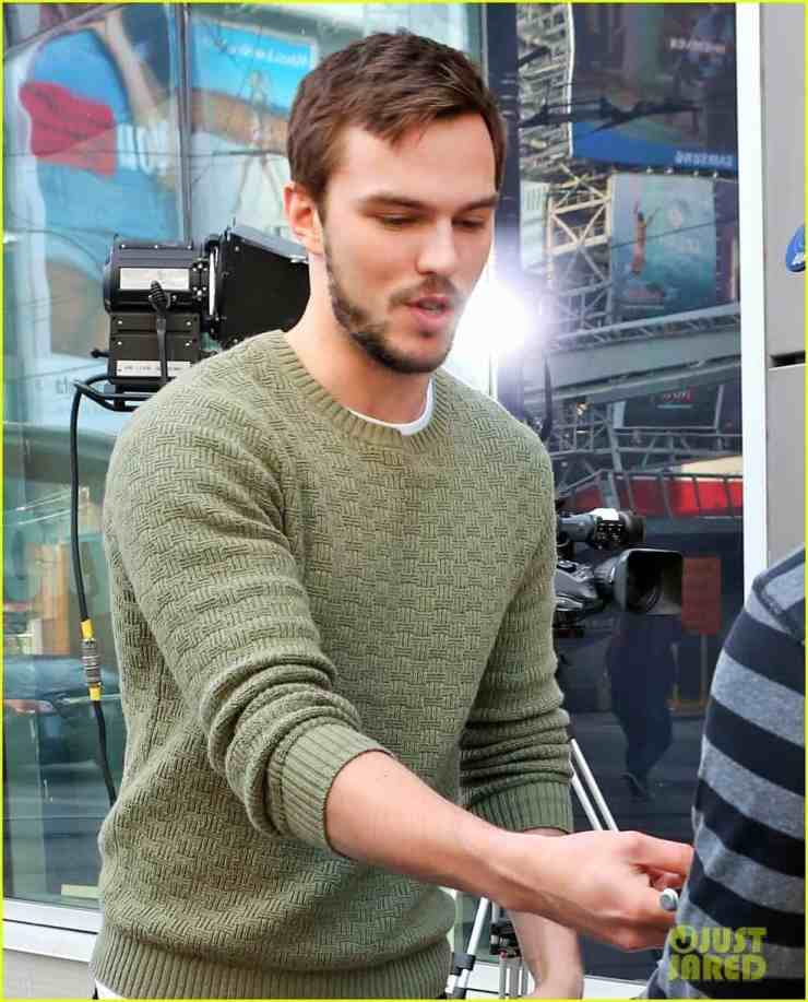 nicholas-hoult-says-shaving-head-was-freeing-02