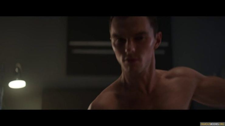 nicholas-hoult-shirtless-kyf-008