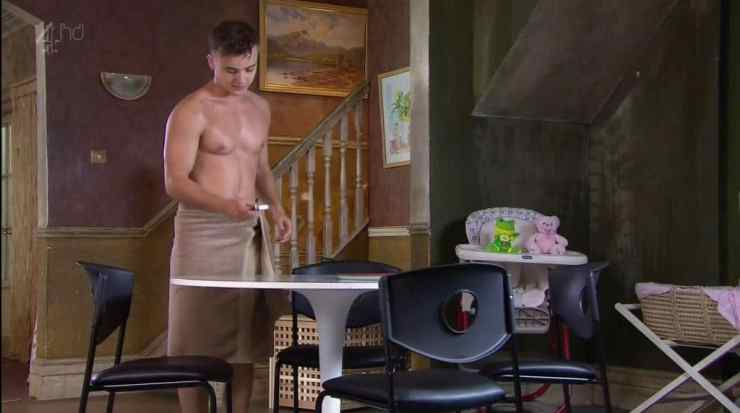 parry-glasspool-shirtless-in-towel-in-hollyoaks-2