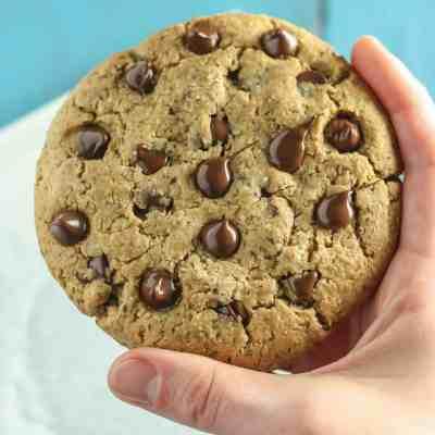 Giant Vegan Chocolate Chip Cookie [gluten-free]