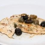 Scaloppine di pollo con capperi e olive
