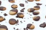 Frollini di castagne glassati al cioccolato