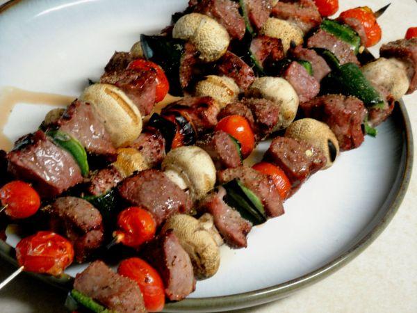 Ražnjići s govedinom i povrćem