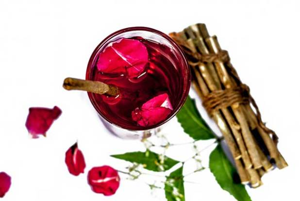 Neem and Rose Water Face Pack