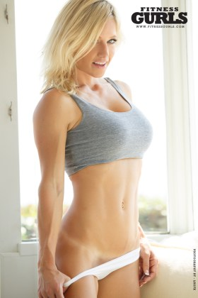 02-meggan-clay-fitness-gurls-2014