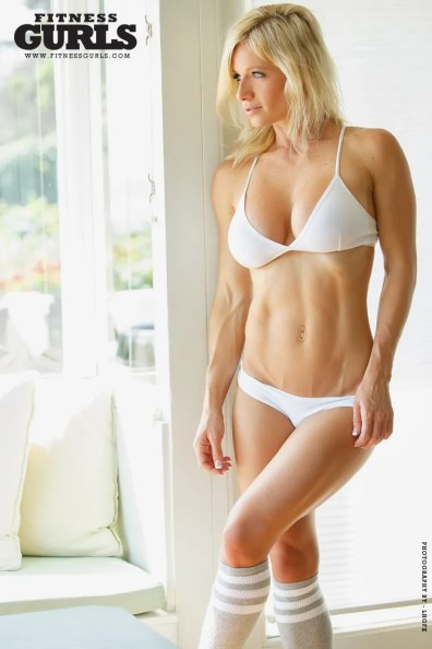 08-meggan-clay-fitness-gurls-2014