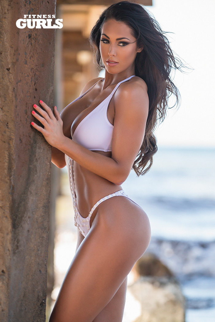 fitness-gurls-swimsuit-hope-beel-01
